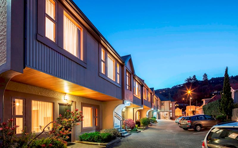 Amross motel dunedin outside view.jpg